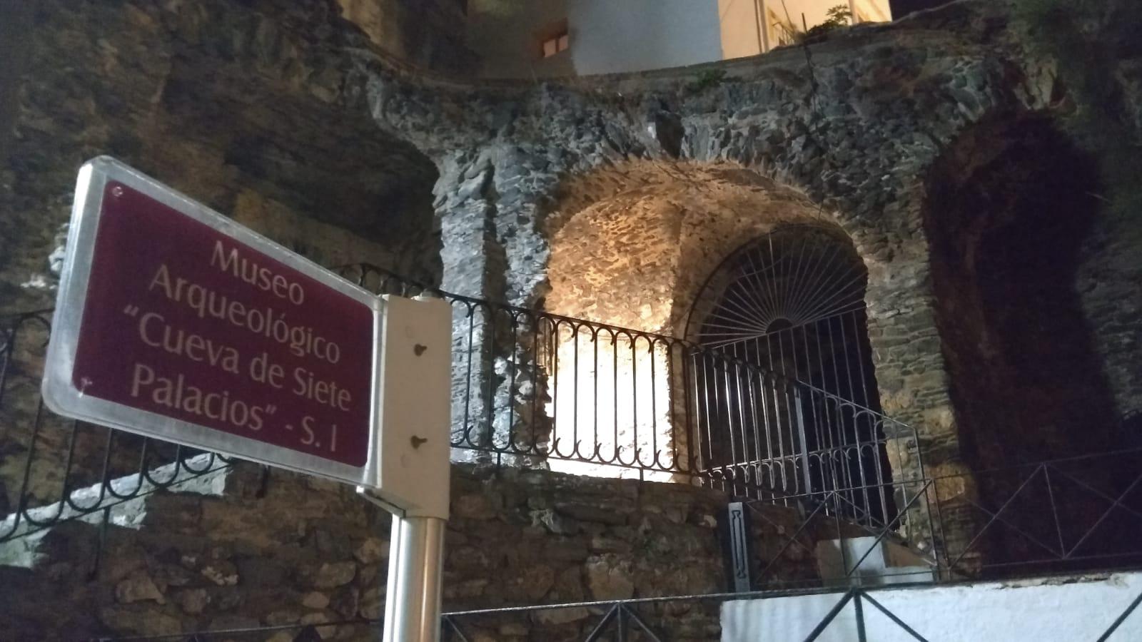 Cueva de los Siete Palacios