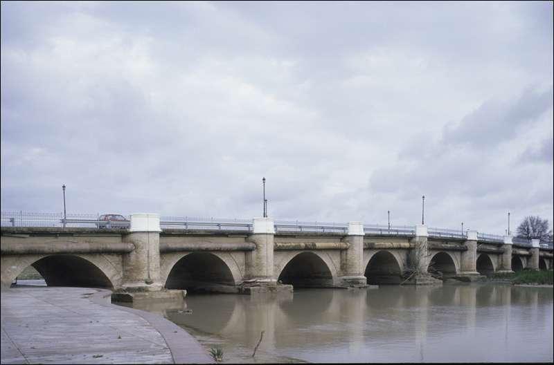 Puente romano.Écija. Foto IAPH. Autor: Francisco Javier Romero García