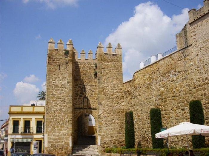 Exterior de la Puerta de Sevilla, de Marchena. losrs (Discusión  contribuciones)