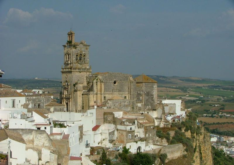 Iglesia de San Pedro.By User: Horst Goertz at wikivoyage shared, CC BY-SA 3.0, https://commons.wikimedia.org/w/index.php?curid=23047955