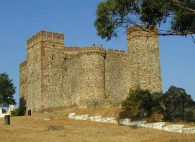 Castillo de Cortegana en la Sierra de Huelva