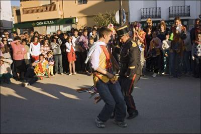 Baile de los tiraores Autor: Eva Cote Montes Fecha: 2009 Fuente: Instituto Andaluz del Patrimonio Histórico