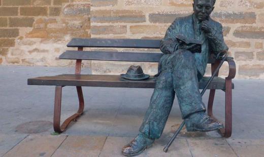 Estatua a Antonio Machado en Baeza