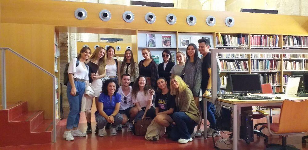 Alumnos de 1 de diseño de moda de CEADE Leonardo