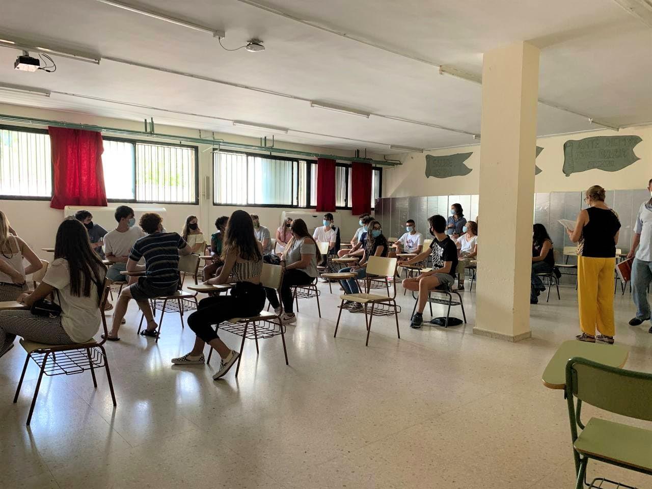 Más de 846.000 estudiantes de Secundaria, Bachillerato, FP y Educación de Adultos inician este miércoles el curso escolar 21-22 en Andalucía