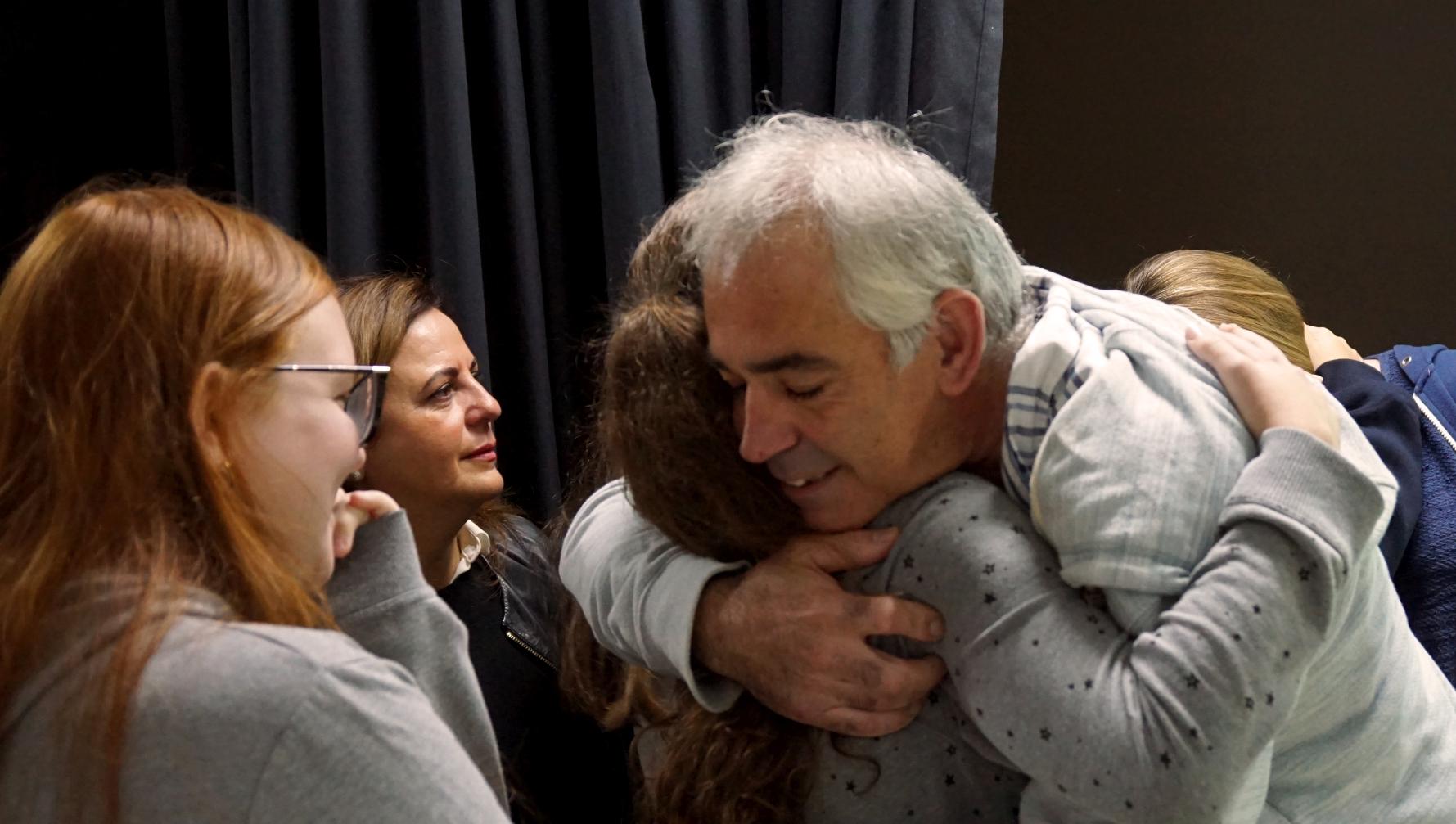 abrazo (conferencia abrazo.jpg)