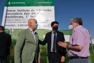 Marín e Imbroda ponen la primera piedra de un nuevo instituto en el municipio.