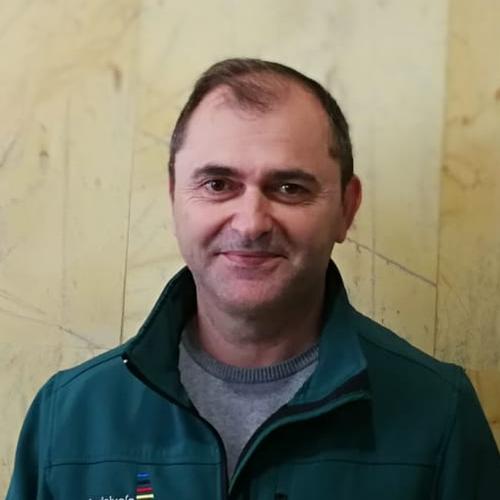 24 EBANISTERÍA: Manuel Ruiz Cejudo, profesor del IES La Rosaleda (Málaga)