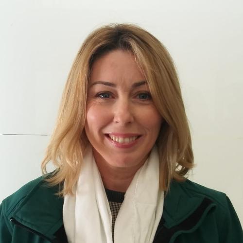 29 PELUQUERÍA: María Altuzarra Toscano, profesora del IES La Palma (La Palma del Condado, Huelva)