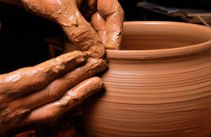Imagen representativa de la sección de Artes Plásticas y Diseño: Enseñanzas Profesionales y Superiores