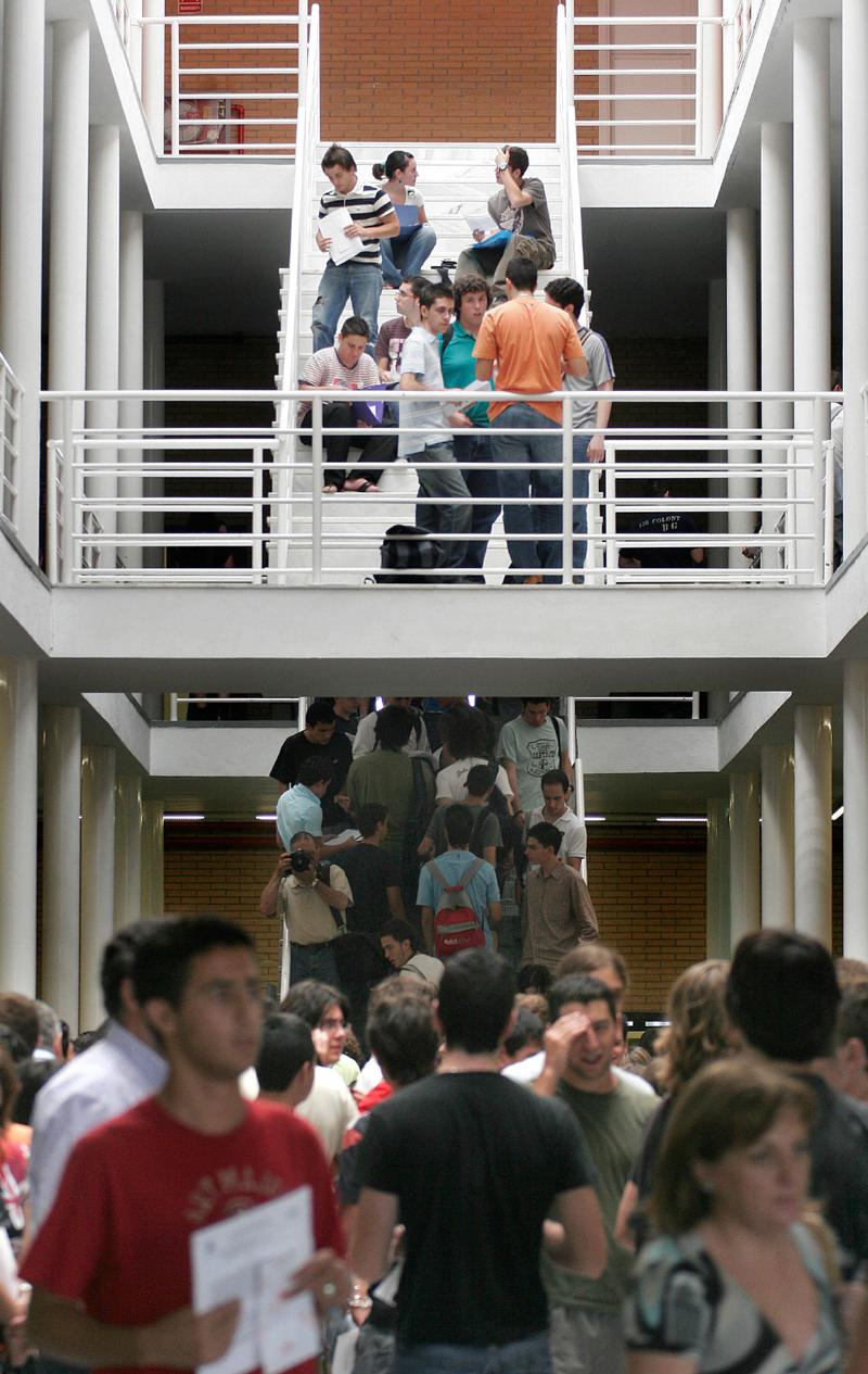Estudiantes en un centro