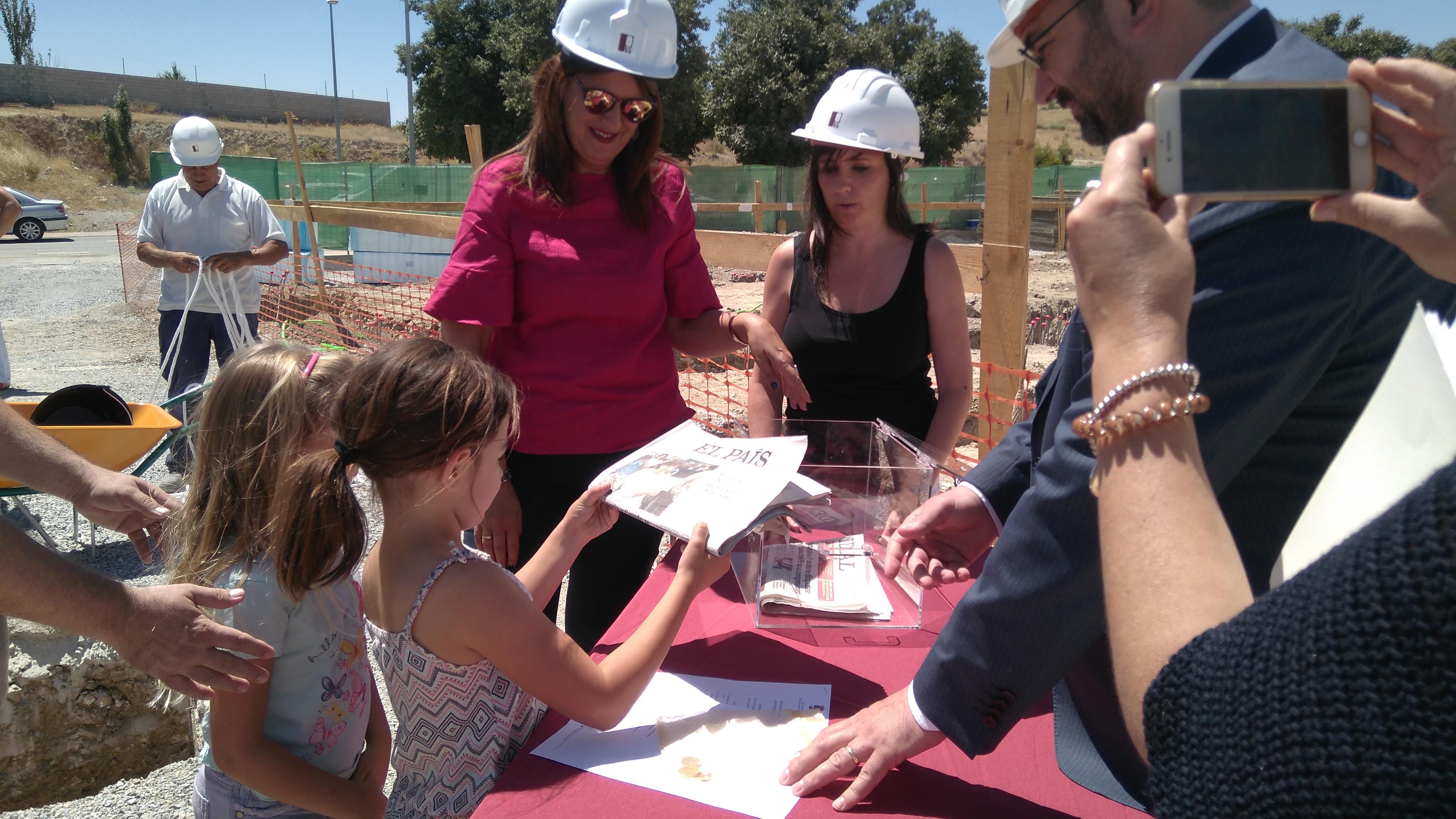 Sonia Gaya inicia las obras de ampliación del nuevo colegio en Las Gabias.