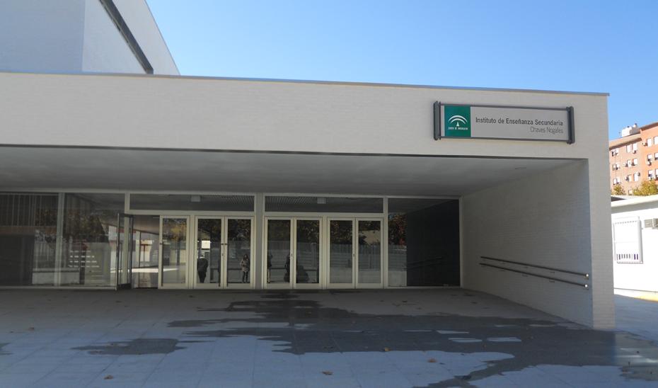 Fachada del Instituto Chaves Nogales de Sevilla.