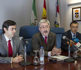 Consejero Antonio Ávila con representantes de Corporación de Recursos Iberia S.L