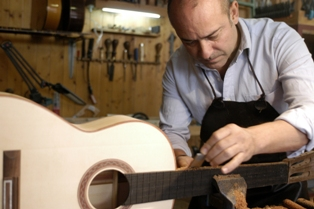 Luthier