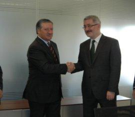 Consejero y  vicepresidente ejecutivo de Relaciones Gubernamentales de SEAT