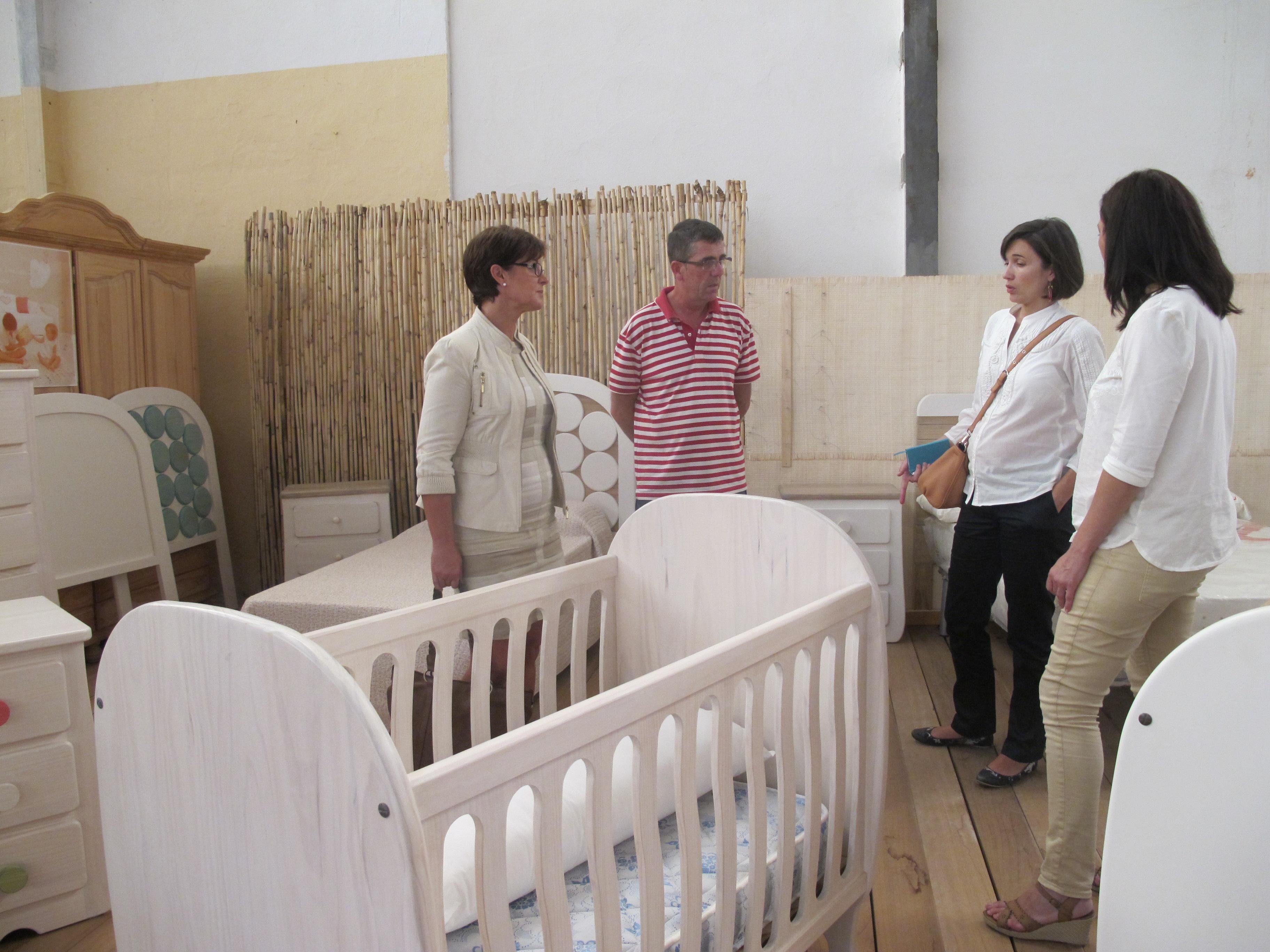 Junta De Andaluc A Almer A La Junta Ofrece Los Servicios De  # Muebles Dolores