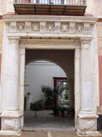 Portada del Palacio de Miguel de Mañara