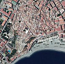 Vista general del núcleo urbano de Almuñécar, en Granada.