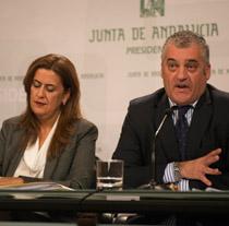 Sonia Gaya, consejera de Educación, y Javier Carnero, consejero de Empleo, Empresa y Comercio