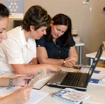La alfabetización digital es uno de los principales objetivos de Guadalinfo