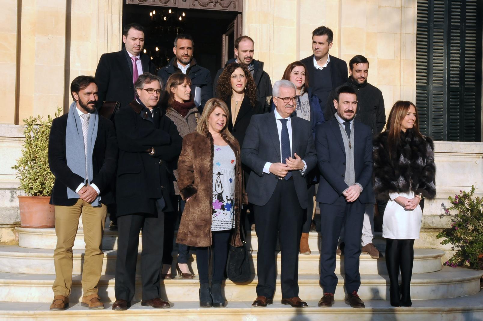 El vicepresidente con los jóvenes emprendedores de Cádiz.