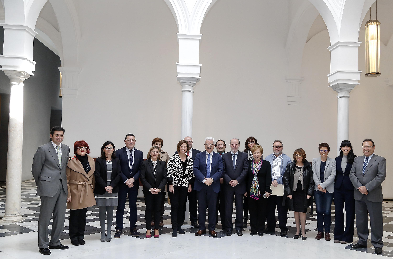 El vicepresidente con los miembros del Consejo de Concertación Local.
