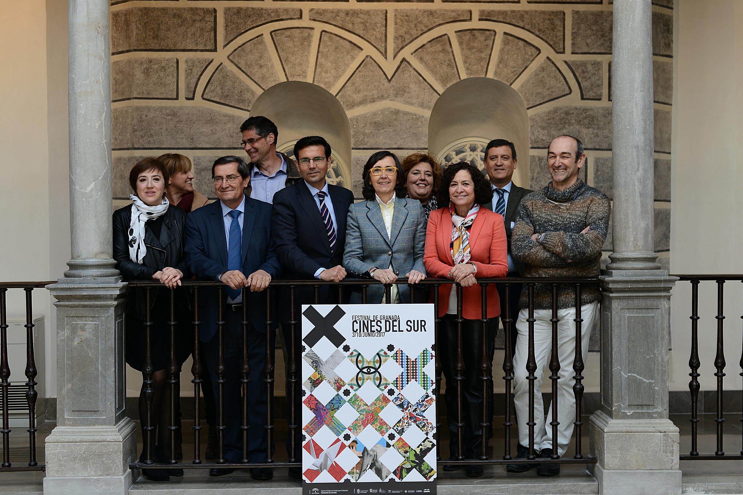 Rosa Aguilar y el resto de autoridades, tras la presentación del X Festival Cines del Sur.