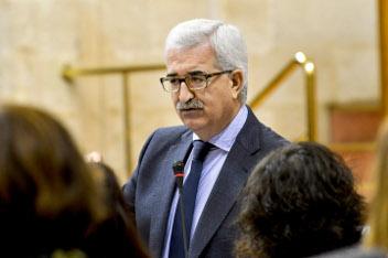 El vicepresidente en el Pleno del Parlamento.