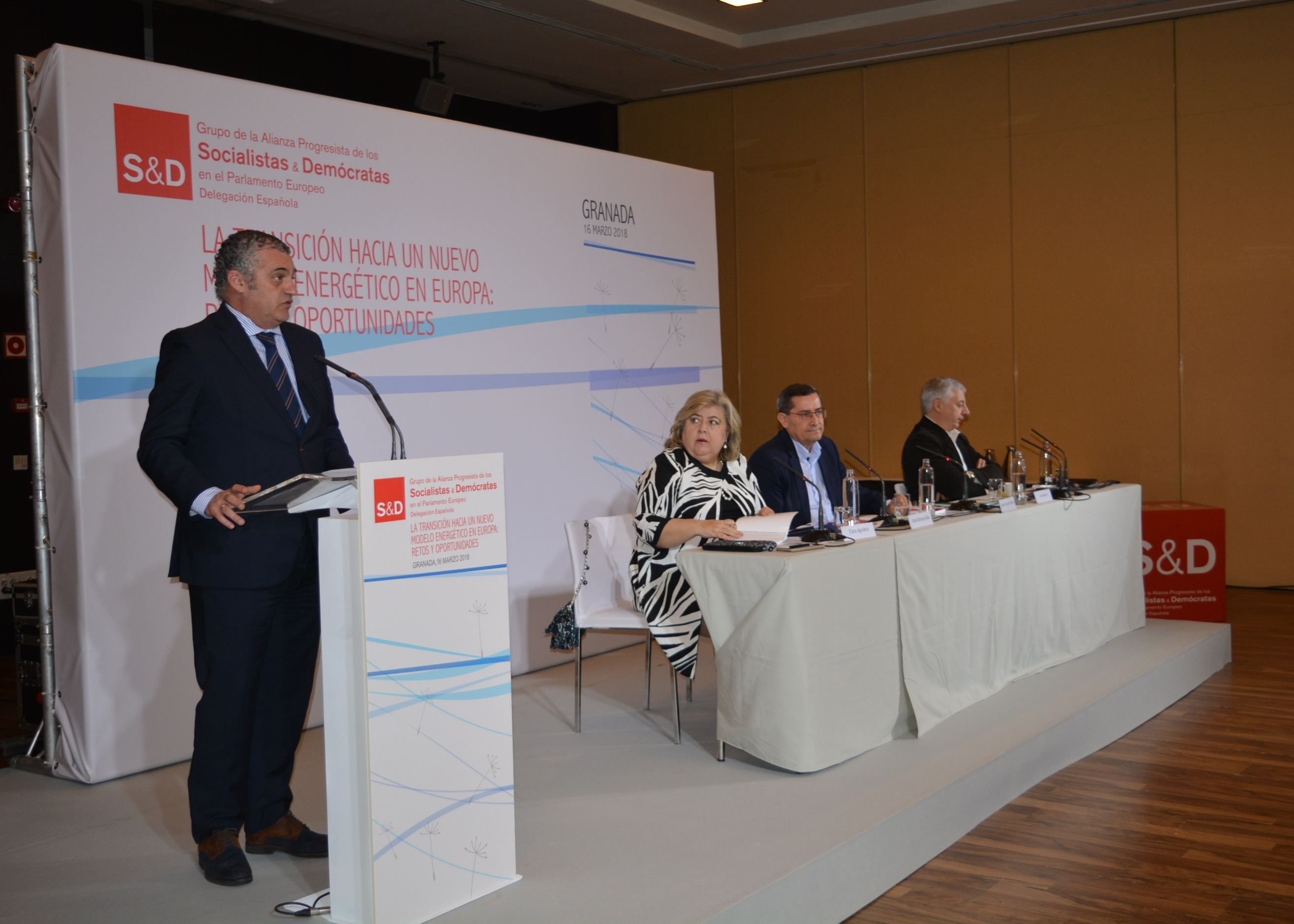 Inauguración jornada sobre energías renovables en Europa