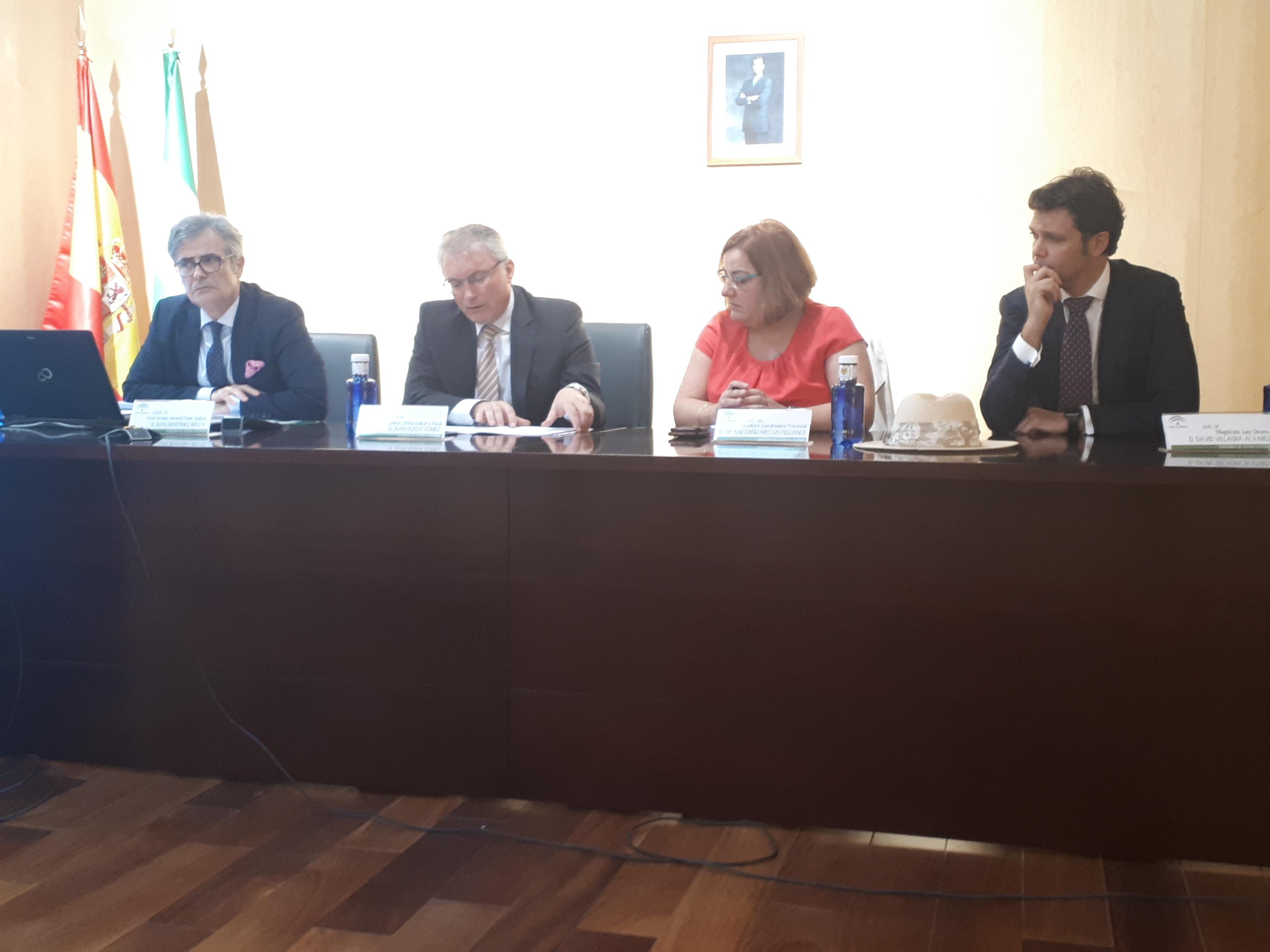 El director general de Oficina Judicial y Fiscal, en el acto en Almería