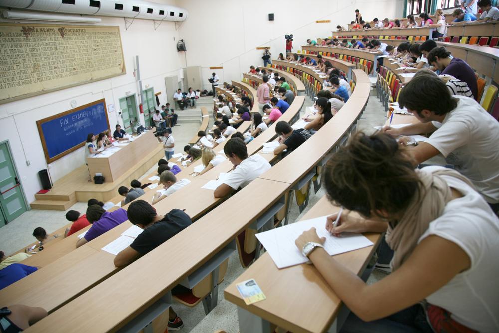 La Junta restablece la convocatoria de méritos para  el personal universitario con 29,5 millones de euros