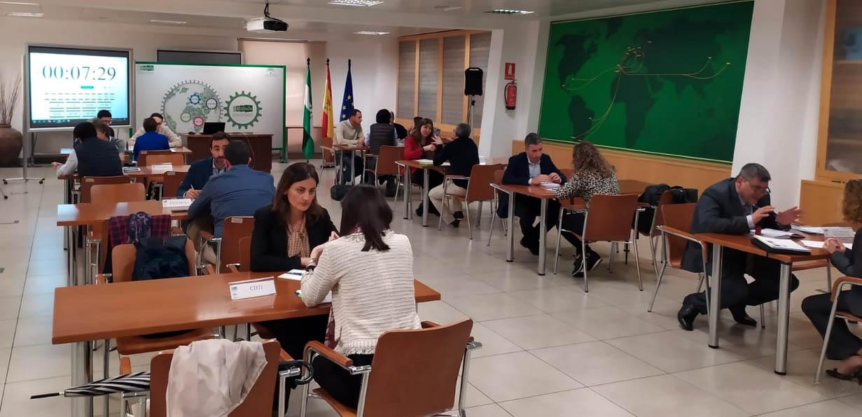 Reuniones bilaterales con empresas tras la sesión informativa