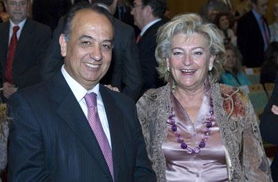 El rector de la Universidad Internacional de Andalucía, Juan Manuel Suárez Japón, junto a la concejal del Ayuntamiento de Sevilla, Rosa Mar Prieto.