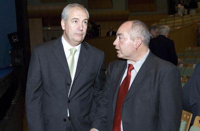 El secretario general de CCOO en Andalucía, Francisco Carbonero, y su homólogo en UGT-A, Manuel Pastrana.