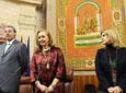 La presidenta del Parlamento, Fuensanta Coves, acompañada por los          vicepresidentes de la Mesa de la Cámara autonómica, momentos antes de iniciarse el          Pleno Institucional celebrado para conmemorar el Día de Andalucía en el          Parlamento.
