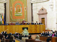 La presidenta del Parlamento, Fuensanta Coves, se dirige a los          diputados andaluces durante el Pleno Institucional celebrado en la Cámara          andaluza con motivo del Día de Andalucía.