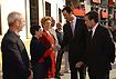 155:S. A. R. el Pr�ncipe de Asturias saluda a los miembros de la corporaci�n municipal en el Ayuntamiento de Dos Hermanas.