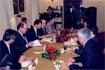 78:S.A.R. se reuni� en Algeciras con representantes de asociaciones de inmigrantes, en compa��a del presidente de la Junta, Manuel Chaves, y el consejero de Asuntos Sociales, Isa�as P�rez Salda�a.