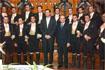79:S.A.R. el Pr�ncipe junto a los jinetes del espect�culo de la Real Escuela de Arte Ecuestre de Jerez.