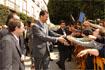 115:El futuro monarca saluda a numerosos ciudadanos congregados a su paso, a la llegada al Ayuntamiento de Almer�a.