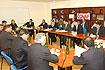 130:Durante la visita a la cooperativa, el Pr�ncipe se reuni� con los responsables de la empresa.