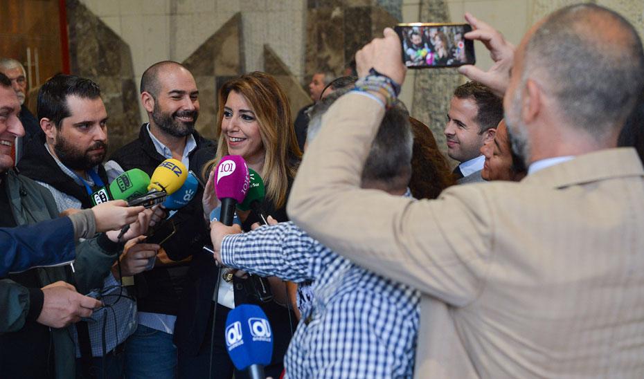 """Susana Díaz ha valorado como """"magnífica noticia"""" la salida de Andalucía a los mercados ya que """"viene a reforzar la confianza del sistema financiero y de la inversión en Andalucía""""."""