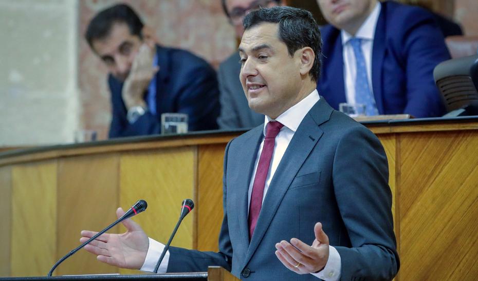 Juan Manuel Moreno, durante el Debate de Investidura en la Cámara autonómica (Foto EFE).