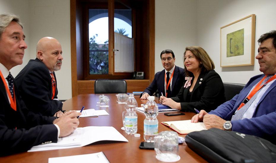 Crespo, durante la reunión con la Asociación Española de Exportadores e Industriales de Aceitunas de Mesa.