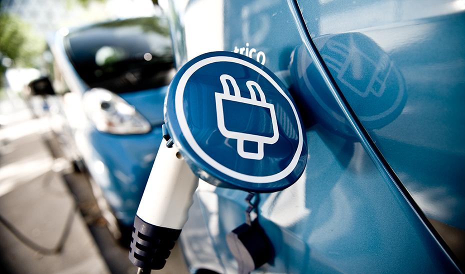 La Junta pone en marcha un paquete de medidas de apoyo al vehículo eléctrico.