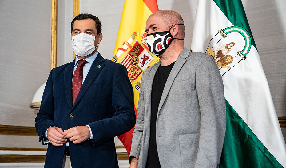 El presidente andaluz, Juanma Moreno, recibiendo en San Telmo al líder nacional de CCOO, Unai Sordo.