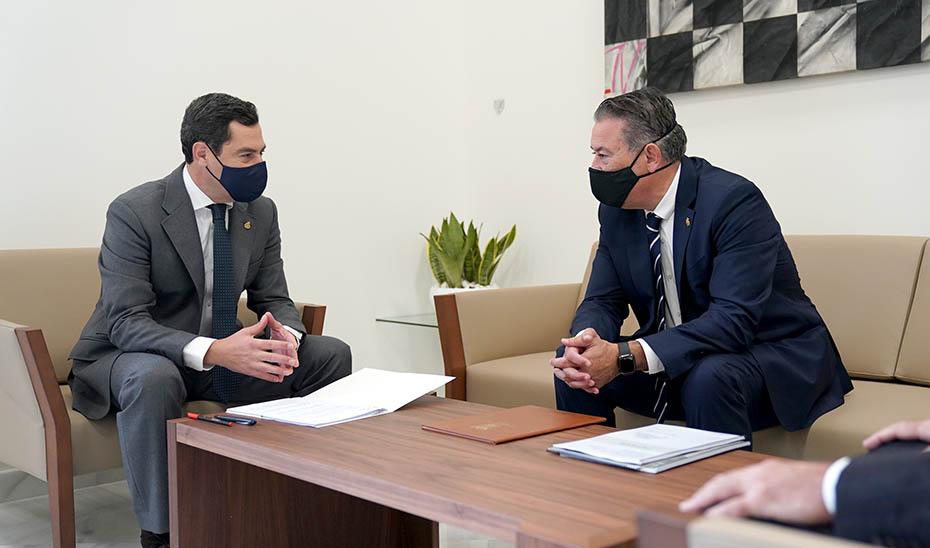 El presidente de la Junta, reunido con el alcalde de Linares.