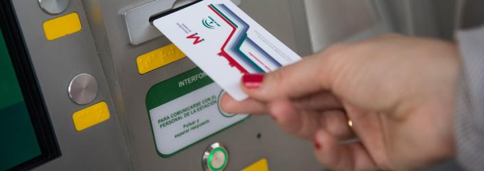 El proceso de puesta en servicio comercial del metro ha requerido una campaña previa de educación y adaptación de la ciudad.