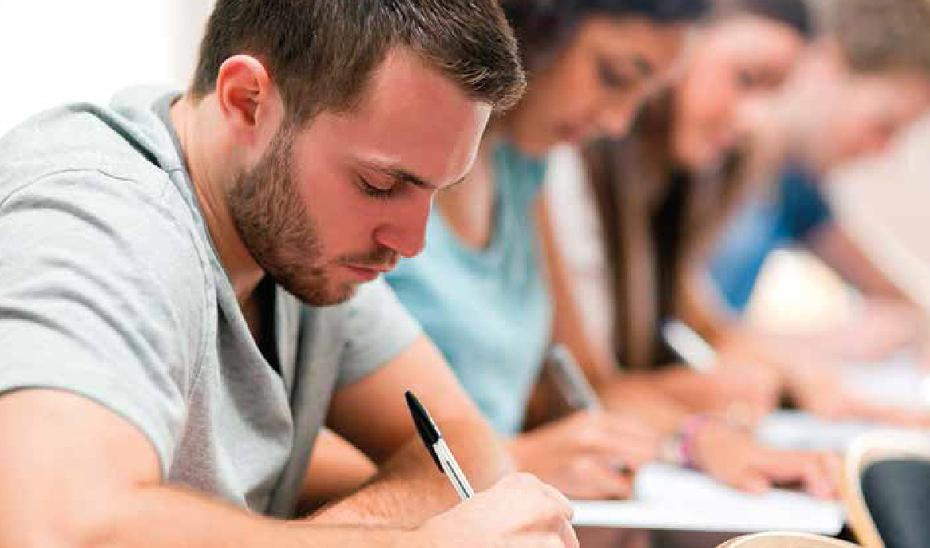 Alumnos enfrentándose a una prueba de examen.